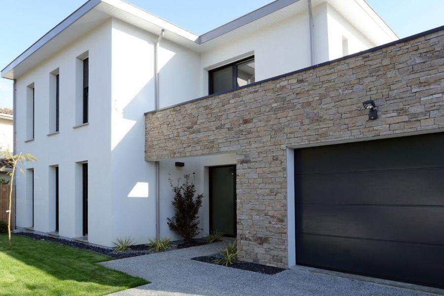 Comment nettoyer facilement la façade de sa maison?